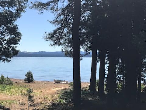 Lake Almanor Lake Front Retreat