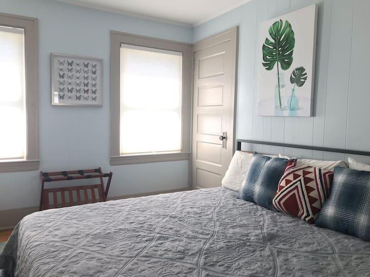 New! Beautiful rental 5 blocks to Downtown