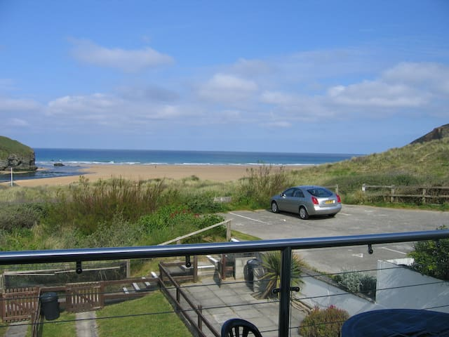 Chi an Mor, overlooking the sea at Mawgan Porth - Mawgan Porth - Haus