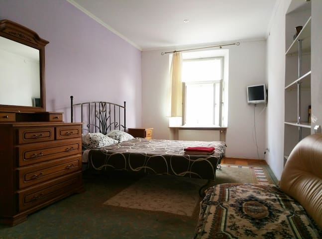 Rynok Square Spacious Apartment