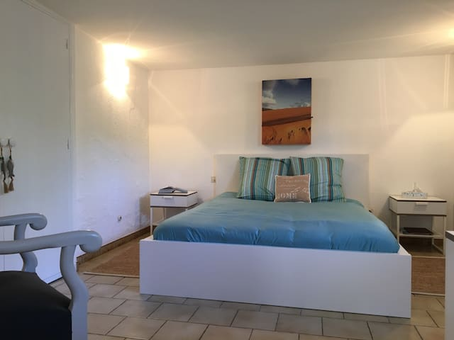 Our guest room closed Saint Tropez - Cogolin - Huis