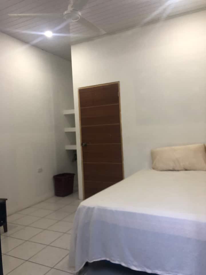 Alquilo mini apartamento en cuidad de de sebaco.