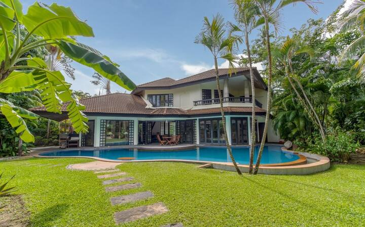 Surin beach 4 bedroom villa large pool