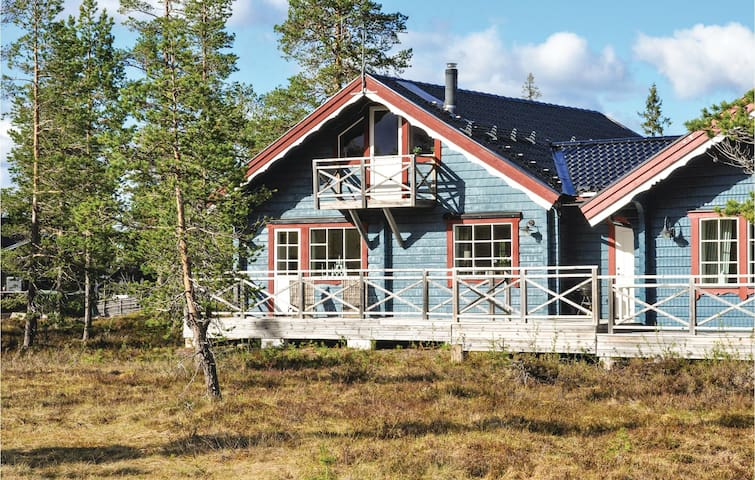 Semi-Detached with 4 bedrooms on 80m² in Sälen