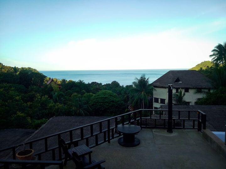 sunrise  Bungalow with total ocean view 4.