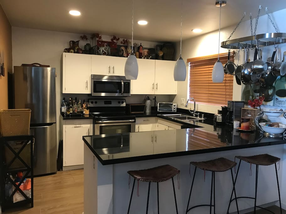 Upgraded kitchen. All appliances available. Part of dinning area.