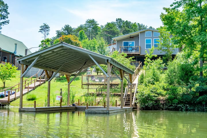 Lake Chickamauga Waterfront Home