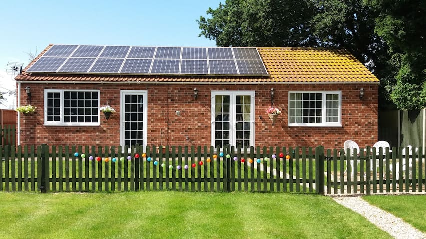 Minster Lodge - Pet/Child friendly Garden Annexe