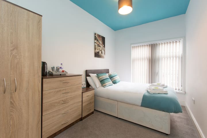 Townhouse @ West Avenue Crewe - Double Room 3