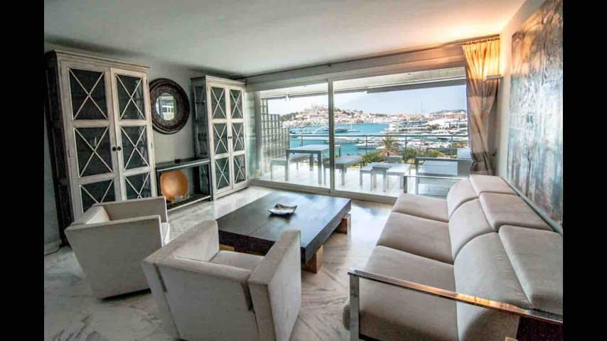 Marina Botafoch -Stunning view two double bedrooms