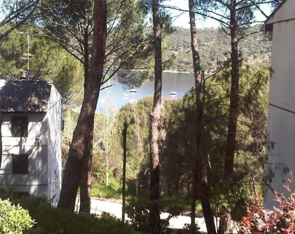 """APARTAMENTO """"A orillas del Lago"""" Galeón - San Martín de Valdeiglesias - Apartment"""