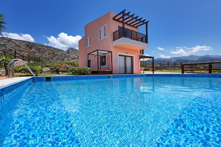 Relaxing 3BD Villa, Seaview with private Pool (M) - Milatos Beach