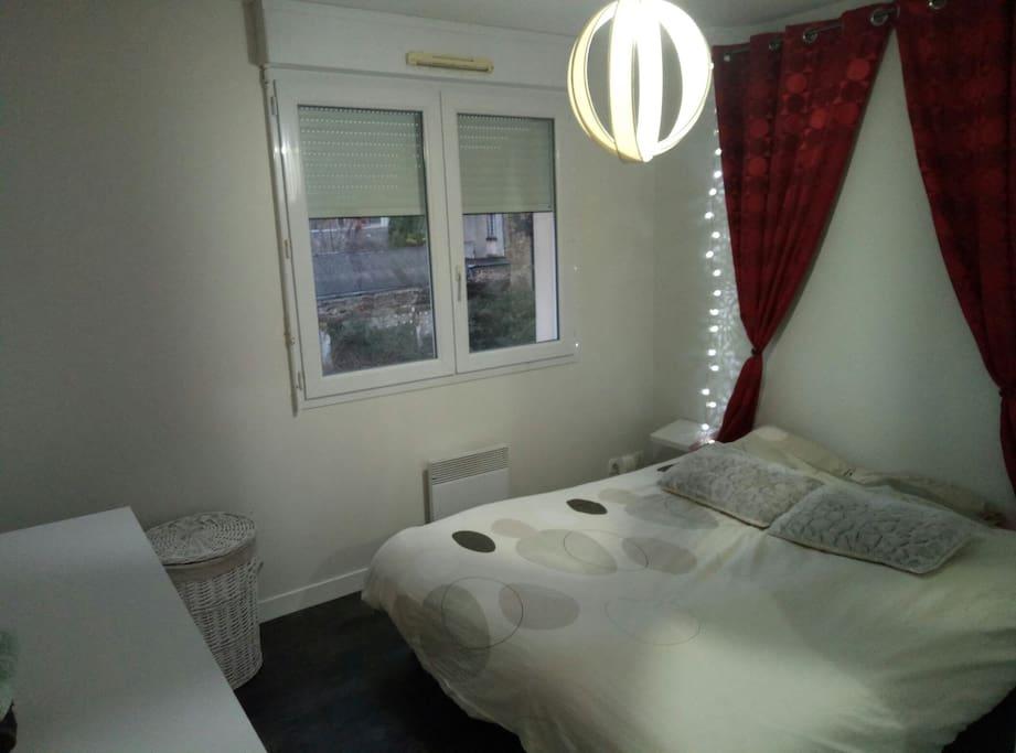 Chambre lit 160/ 200, dressing