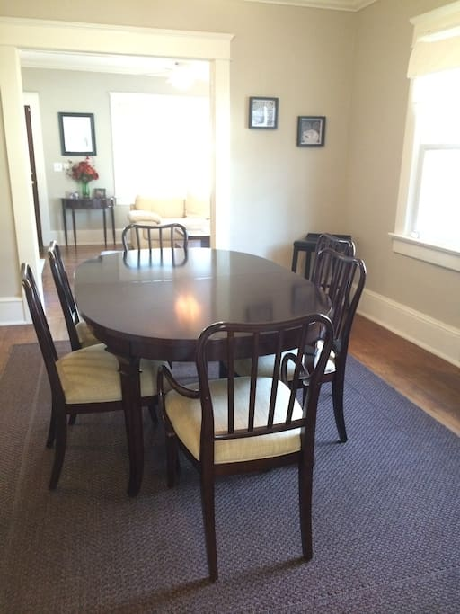 Dining area for 6!