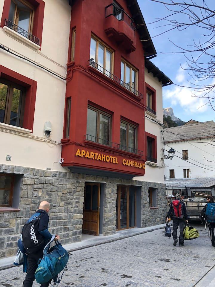 Atico en Canfranc con vistas y terrazas