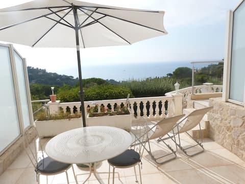 AZUR Appt 2P  vue mer panoramique-piscine privée.
