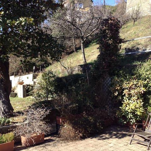 Casa nel verde della collina torino - Superga - Huis