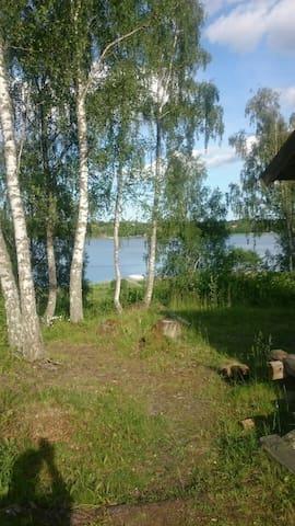 Stort sommarhus vid Väddöviken - Stockholms län - Casa