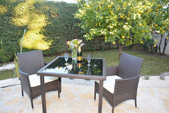 Charming 2rooms in RDJ of Villa with BBQ Terrace + Garden - Animals - Near the Sea AND shops - WIFI