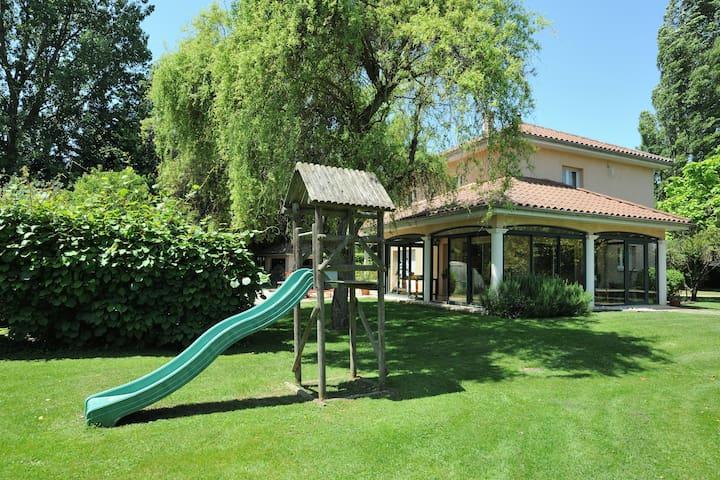 Villa neuve à la campagne 3 chambres, spa, piscine