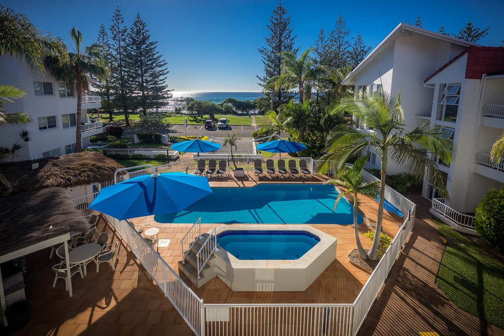Watch the kids in the pool with Esplanade and Ocean views also