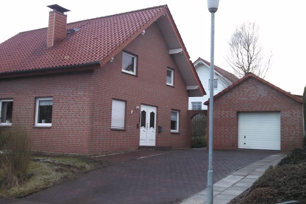 haus mit g stezimmer houses zur miete in steinheim. Black Bedroom Furniture Sets. Home Design Ideas