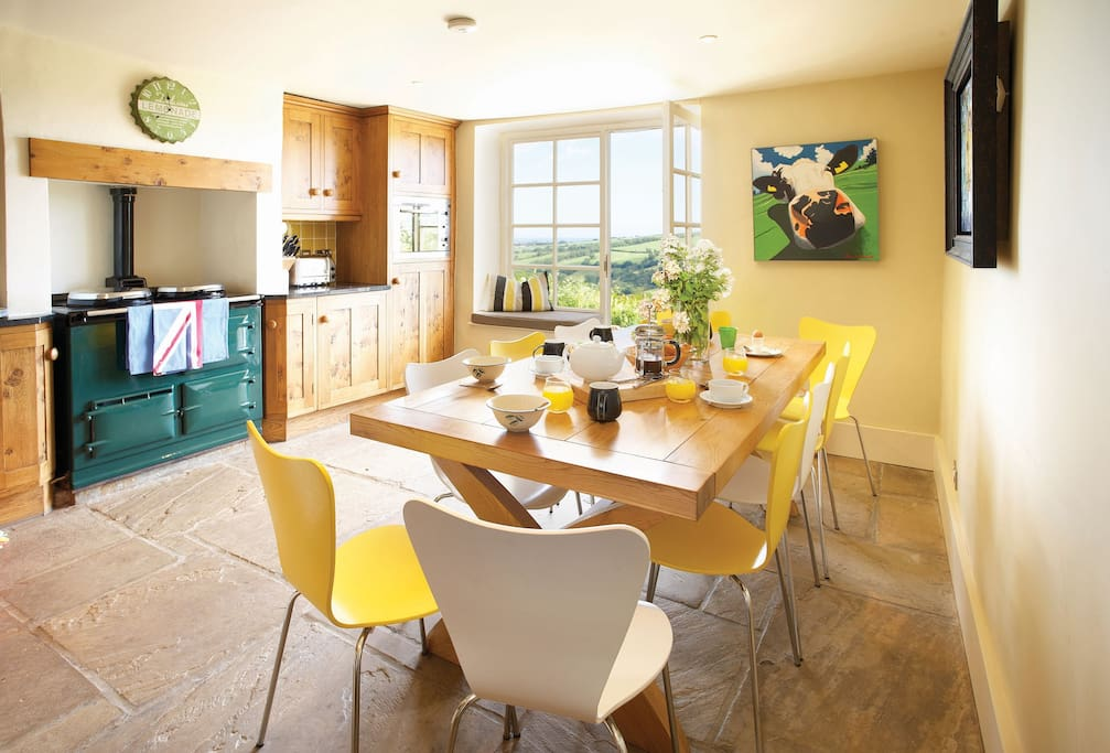 Ground floor: Bespoke kitchen with Aga and kitchen table