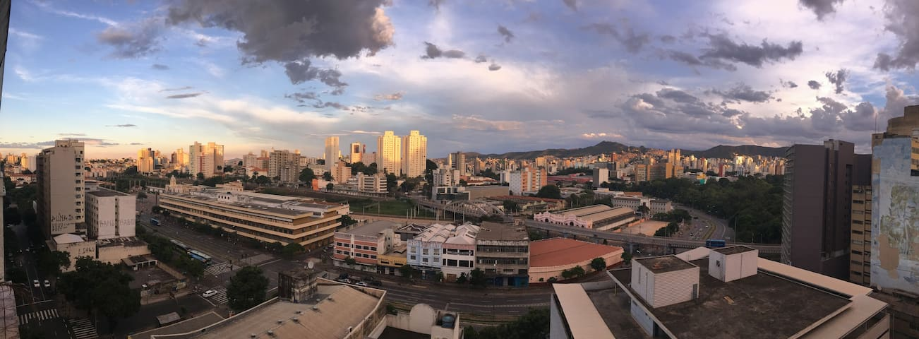 Twin Bedroom centrally located with AMAZING VIEW - Belo Horizonte - Lägenhet