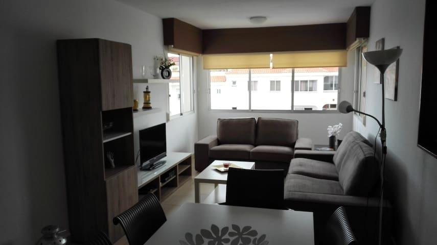 Appartement 3 CH,2 SDB au calme et avec piscine - Cho II - Departamento