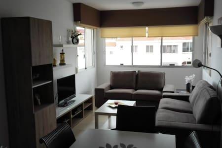 Appartement 3 CH,2 SDB au calme et avec piscine - Cho II - Квартира