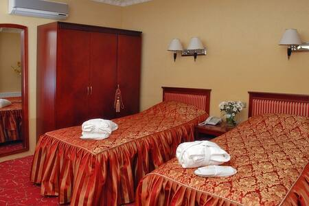 "Курортный комплекс  ""Женева"" - Truskavets' - Inap sarapan"
