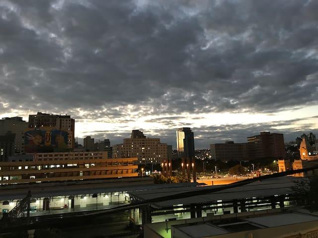 O pôr do sol mais lindo da cidade! Rua Sapucai.