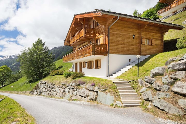 Nice chalet 650 m from ski area