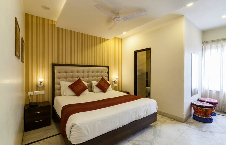 Luxury Budget Rooms inside pink City 2