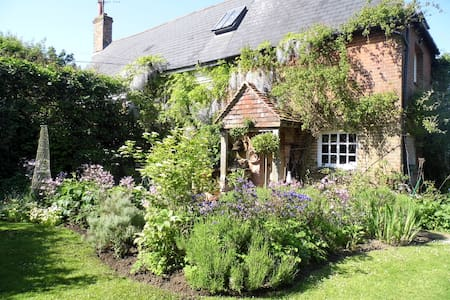 Double room, ensuite & balcony on a smallholding - Hassocks - Bed & Breakfast