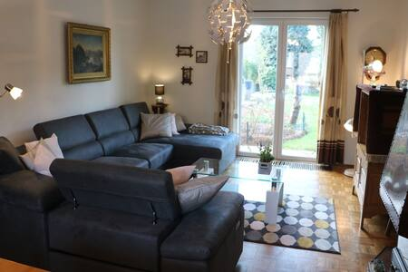 Dreamy Holiday Home in Sweikhuizen with Swimming Pool, Garden