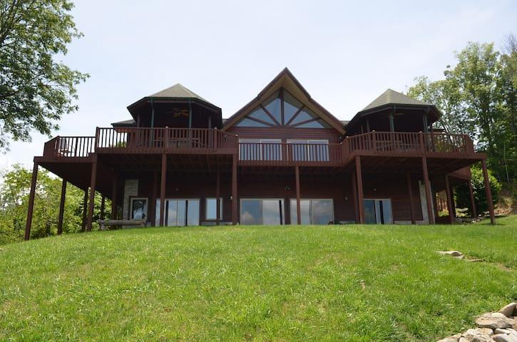 1 Ski Lodge