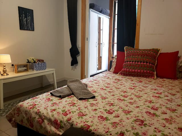 Ramblas room with terrace/balcony and A/C   EXT2OB