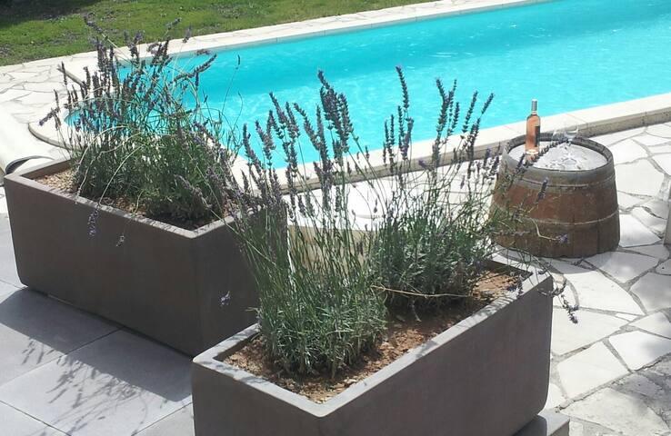 Aile de villa privée + piscine + terrasse BBQ