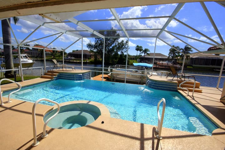 Waterfront villa Hollywood/Gulf access/Boat rental - Cape Coral - Villa