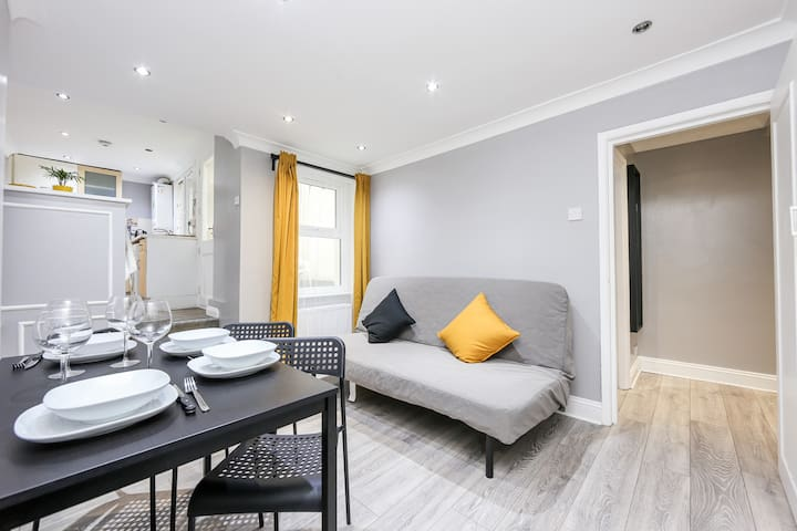 Central London Apartment up to 4 guests - WiFi
