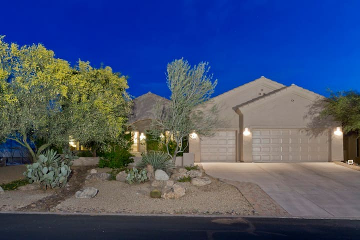 Rise and Shine, Private Home in the heart of Carefree Arizona - Carefree - Rumah