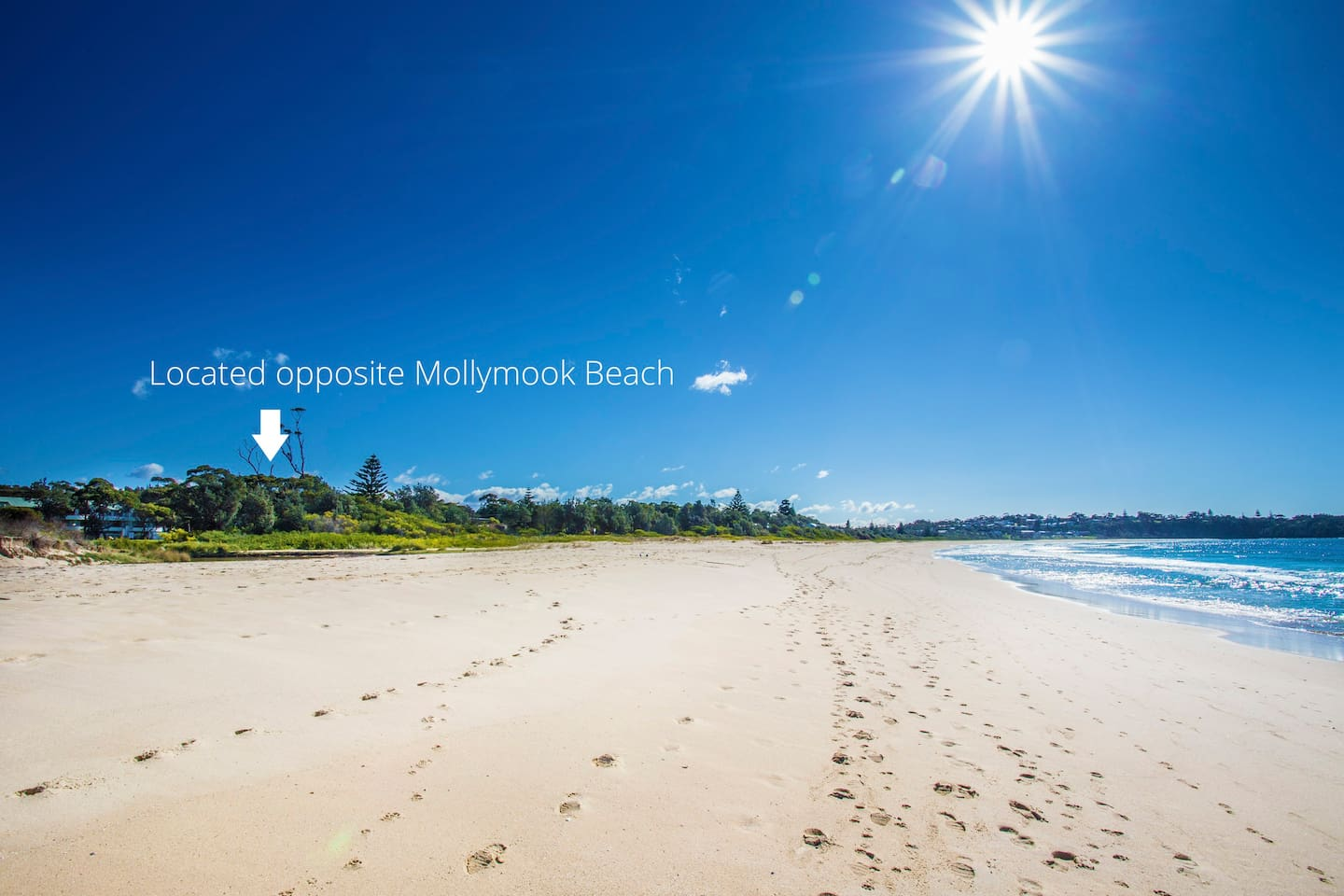 Unit is located across the road from Beautiful Mollymook Beach