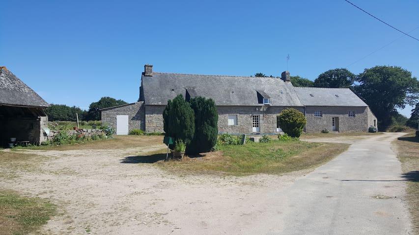 Maison bretonne en pleine nature