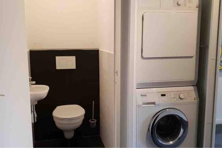 First floor : Toilet