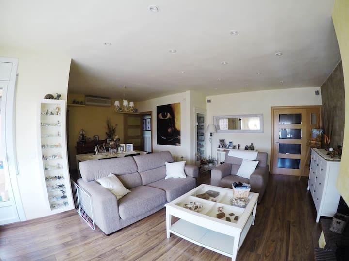 Habitación con baño privado en Vilafranca