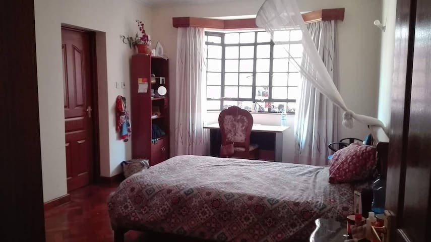 COZY AND CHARMING ROOM PARKLANDS - Nairobi