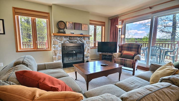 Stunning Mountain Views with Common Area Amenities
