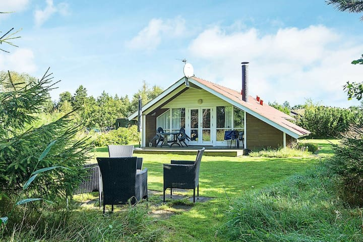 6 person holiday home in Strandby