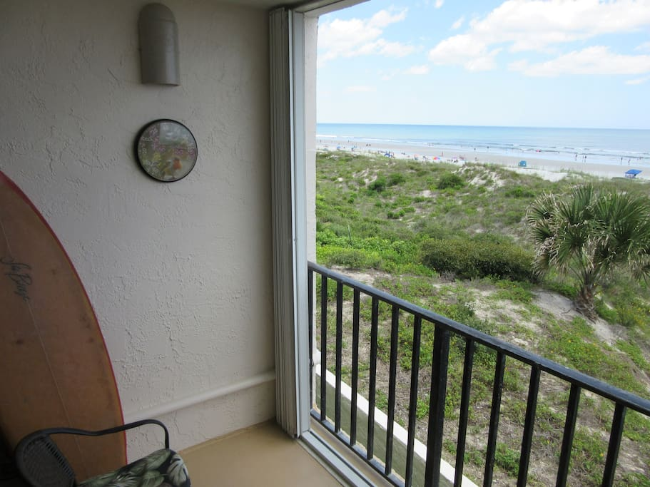 2nd Floor private balcony. Close to the dune wildlife.